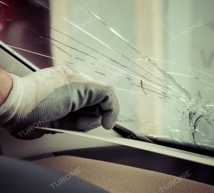 SOSTITUZIONE PARABREZZA AGRIGENTO Un colpo accidentale di un sasso durante la guida, sbalzi termici o difetti di fabbrica, molti sono i fattori del tutto imprevedibili che possono causare la rottura del parabrezza. La sostituzione del parabrezza, rispetto alla riparazione, è senz'altro più costosa. Ma prima di valutare i costi, controlla la tua polizza assicurativa: se avrai la polizza Cristalli, l'assicurazione coprirà parte del costo o, a seconda delle condizioni contrattuali, anche l'intero costo. Per la sostituzione del parabrezza Agrigento non si devono sottovalutare due fattori: -Un parabrezza di qualità: montiamo solo cristalli originali e certificati - Potrai contare su un lavoro eseguito a regola d'arte e da professionisti del settore Questi due fattori sono determinanti in quanto evitano, una volta sostituito il parabrezza, che il guidatore possa avvertire disturbi alla guida e/o alla vista a causa di un vetro difettoso o non originale. Non meno importante, un lavoro effettuato da esperti garantisce il buone sito dello stesso. Inoltre, essendo dotati di un'attrezzatissima officina mobile potrai ricevere l'intervento di sostituzione del parabrezza a domicilio nella Provincia di Agrigento, quindi comodamente a casa tua e senza alcun costo aggiuntivo. Per qualsiasi informazione o curiosità contattaci e visita il nostro sito: http://www.turone.it/servizi/carglass/sostituzione-parabrezza/